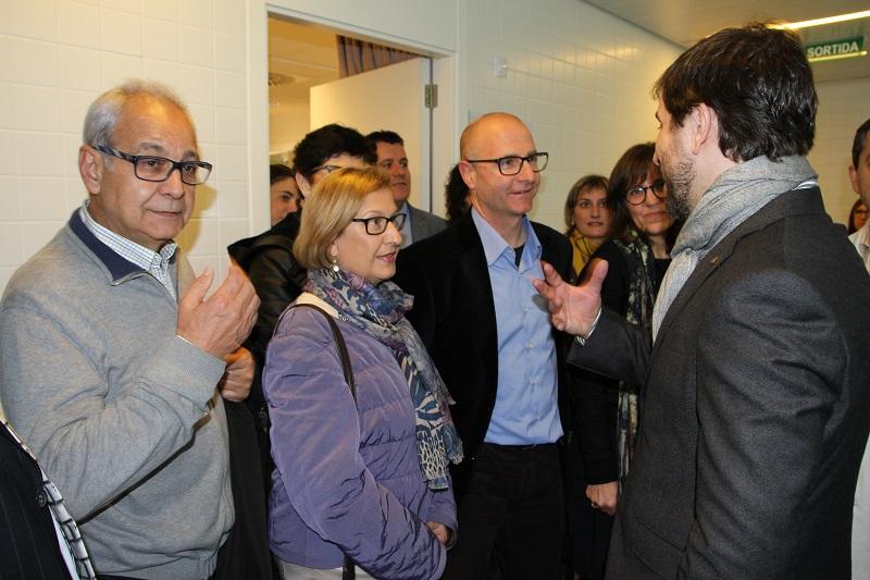 El conseller de Salut, amb l'alcalde Jordi Madrid i els seus predecessors Jaume S. Guixà i Fina Altarriba.